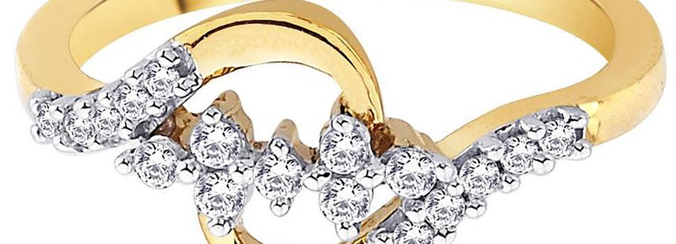 Μεγάλη συλογή από χρυσά δαχτυλίδια